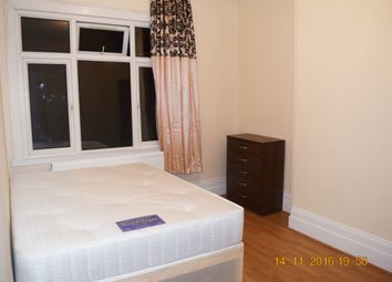 Thumbnail Room to rent in Woodside Road, Room 4, London