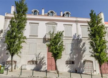 Thumbnail 4 bed apartment for sale in Campo Martires Da Patria, Lisbon, Portugal