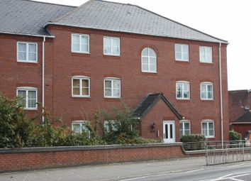 Thumbnail 2 bed flat to rent in Gas Street, Leamington Spa