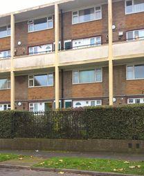 2 bed flat to rent in Ripon Way, Borehamwood WD6
