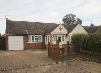 Thumbnail 5 bedroom bungalow to rent in Glebe Close, Holmer Green, High Wycombe