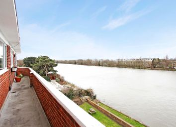 Thumbnail 2 bed flat to rent in Hartington Road, London