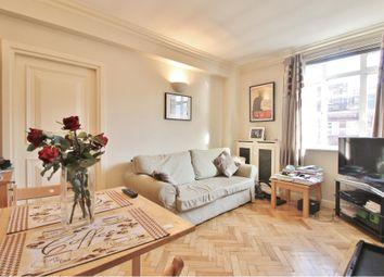 Latymer Court, Hammersmith Road, Hammersmith W6. 1 bed flat to rent