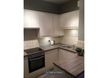 2 bed flat to rent in Whitworth House, Manchester M1