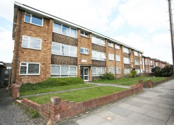 Thumbnail 2 bed flat to rent in Eastwood Road, Goodmayes