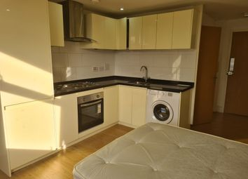 400 Roding Lane South, Woodford Green IG8. Studio to rent          Just added