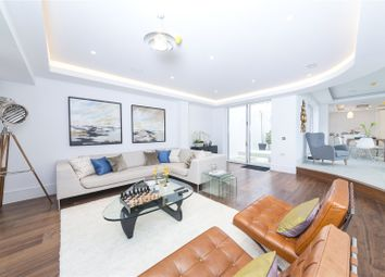 Thumbnail 4 bed property to rent in Sunlight Mews, Fulham, London