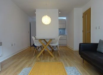 2 bed flat to rent in Southside, St John's Walk, Birmingham B5