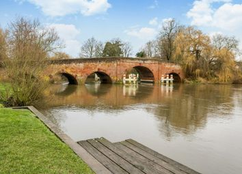 2 bed flat to rent in Thames Street, Sonning, Reading RG4