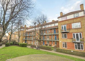 2 bed flat to rent in Bury Close, London SE16