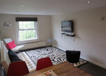 2 bed flat to rent in Canton Place, Bath BA1