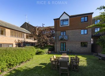 Thumbnail 1 bed flat for sale in Station Road, Belmont, Sutton