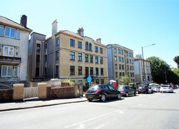 Thumbnail 4 bed flat to rent in Tyndalls Park Road, Clifton, Bristol