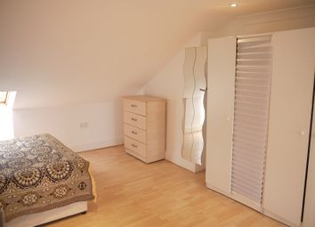 Thumbnail Room to rent in Redclyffe Road, Upton Park, London.
