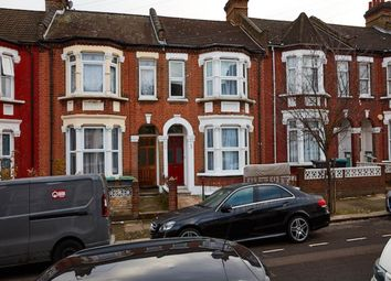 Thumbnail 6 bed shared accommodation to rent in Drayton Road, London