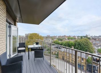 Adenmore Road, London SE6. 2 bed flat