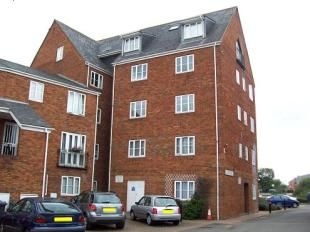 Thumbnail 2 bedroom flat to rent in Sovereigns Quay, Bedford, Beds