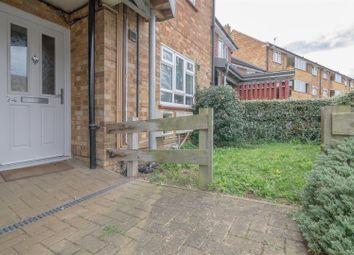 Thumbnail Studio to rent in Farm Close, Hertford