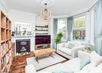 Thumbnail 1 bed flat for sale in Cavendish Road, Clapham