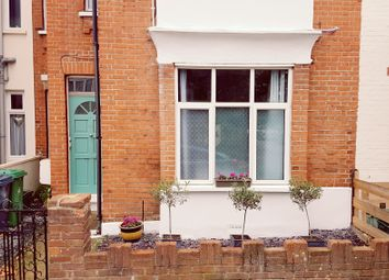 2 bed maisonette to rent in Delamere Road, London SW20