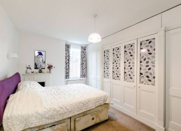 Thumbnail 2 bed flat for sale in Platts Lane, Hampstead