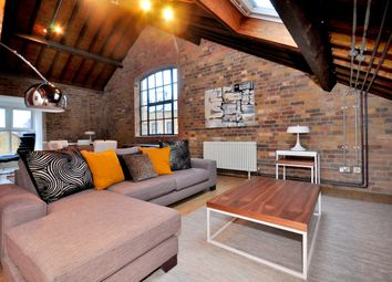 Thumbnail 2 bed flat to rent in Providence Square, London