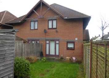 Thumbnail 1 bed property to rent in Aynscombe Close, Dunstable