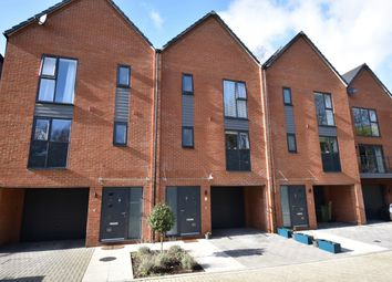 3 bed town house for sale in Sundays Hill Close, Hedge End, Southampton SO30