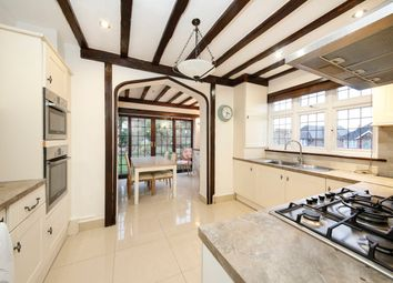 6 bed detached house to rent in Waddington Way, Upper Norwood, London SE19