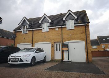 2 bed maisonette to rent in Galt Close, Wickford SS12