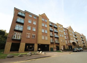 2 bed flat to rent in Griffin Court, Black Eagle Drive, Gravesend, Kent DA11