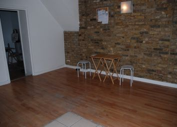 Thumbnail 2 bed flat to rent in Phipp Street, London
