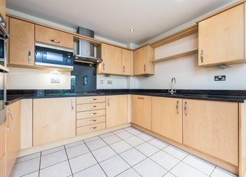 Thumbnail 1 bed flat to rent in The Crescent, Maidenhead