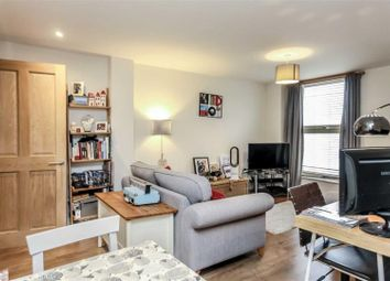 1 bed flat for sale in Wandsworth Road, Clapham SW8