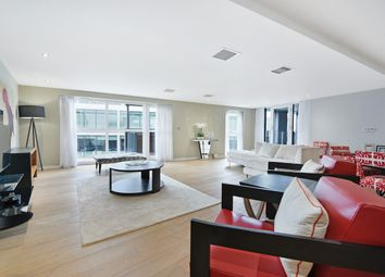 Thumbnail 2 bed flat for sale in Palace Place, St James, London
