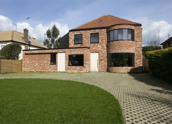 Thumbnail 5 bed detached house for sale in 62 Pine Grove, Brookmans Park, Herts