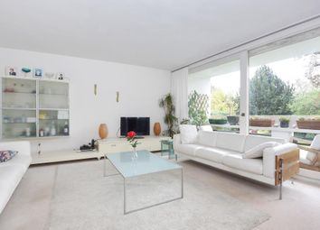 Thumbnail 2 bedroom flat for sale in Southwood Park, Southwood Lawn Road, Highgate, London