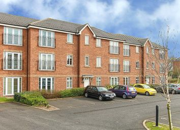 Thumbnail 1 bed flat to rent in Field View House, Railway Walk, Bromsgrove