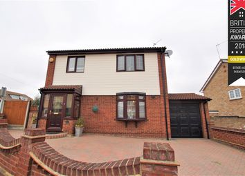 Thumbnail 3 bed detached house for sale in Brooklyn Drive, Rayleigh
