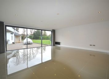 Thumbnail 2 bedroom detached house to rent in Norwood Lane, Iver, Buckinghamshire