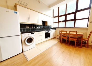Thumbnail 3 bed flat to rent in Hornsey Road, Holloway