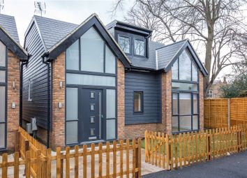 Thumbnail 2 bed detached house to rent in Edeleny Close, East Finchley