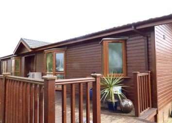 Thumbnail 3 bedroom mobile/park home for sale in Crow Lane, Little Billing, Northampton