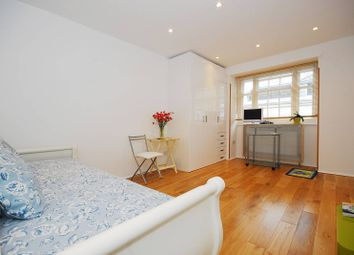 Thumbnail Studio to rent in Rutherford Street, Westminster