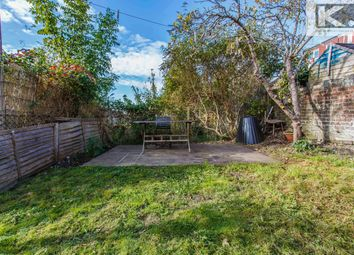 Thumbnail Flat for sale in Bear Road, Brighton