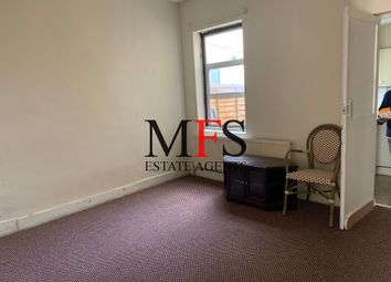 Gordon Road, Southall UB2. 3 bed terraced house