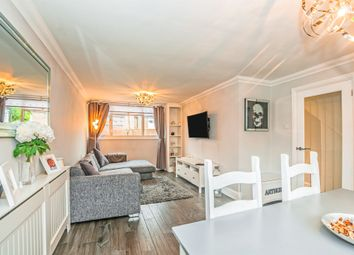 2 bed terraced house for sale in Oldershaw Mews, Maidenhead SL6