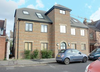 Thumbnail Flat to rent in Churchill Road, Croydon
