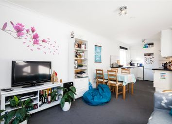 Thumbnail 2 bedroom flat for sale in Maltings Place, Fulham, London