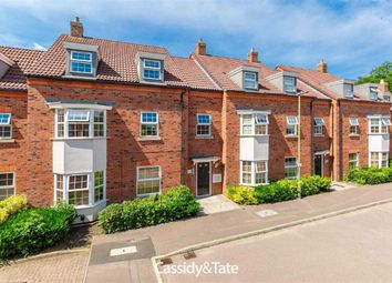 1 bed flat for sale in Sefton Court, Welwyn Garden City, Hertfordshire AL8